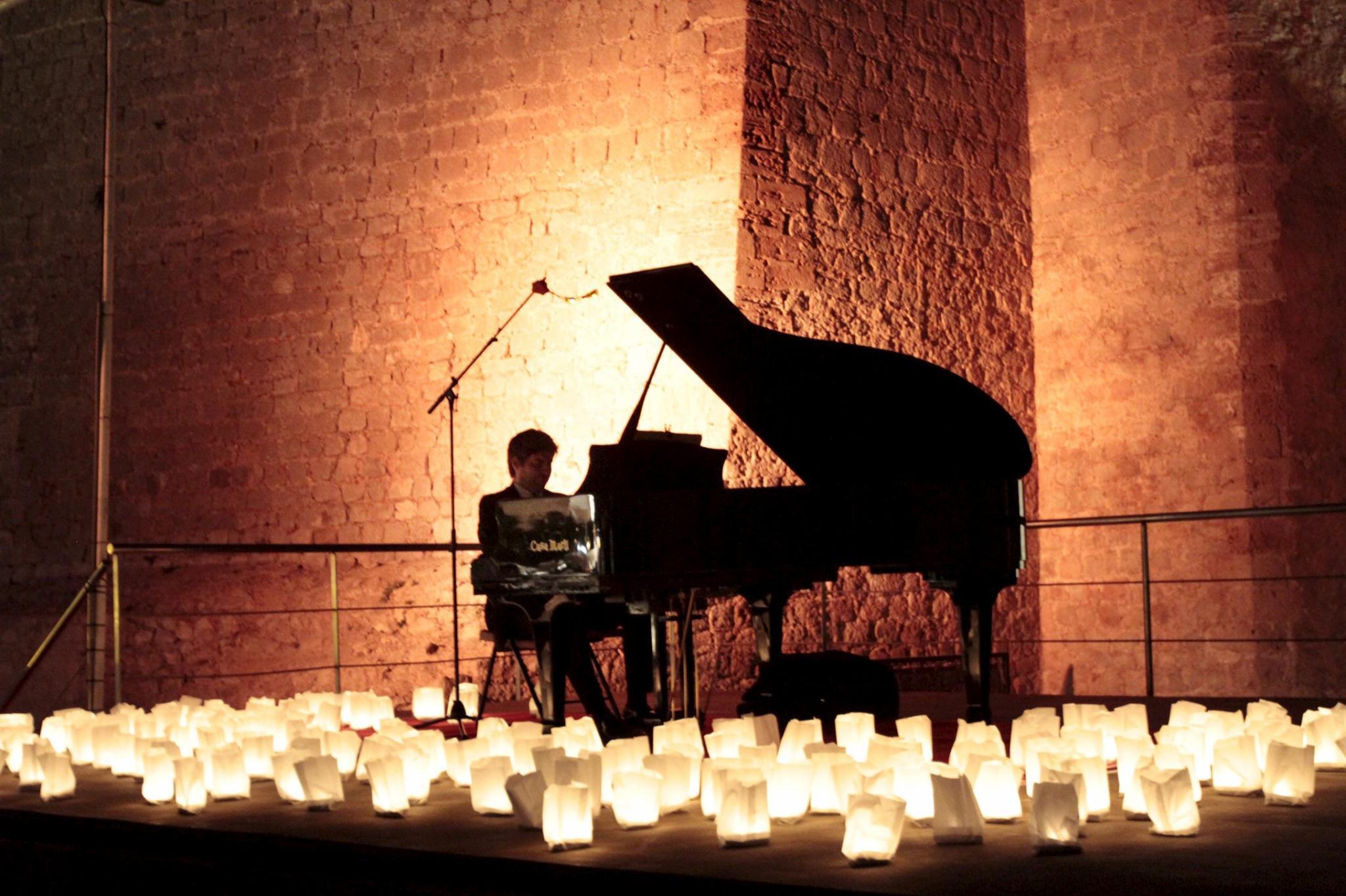 EIVISSA. MUSICA. David Gómez ofreció ayer un recital de piano en el baluarte de Sant Pere