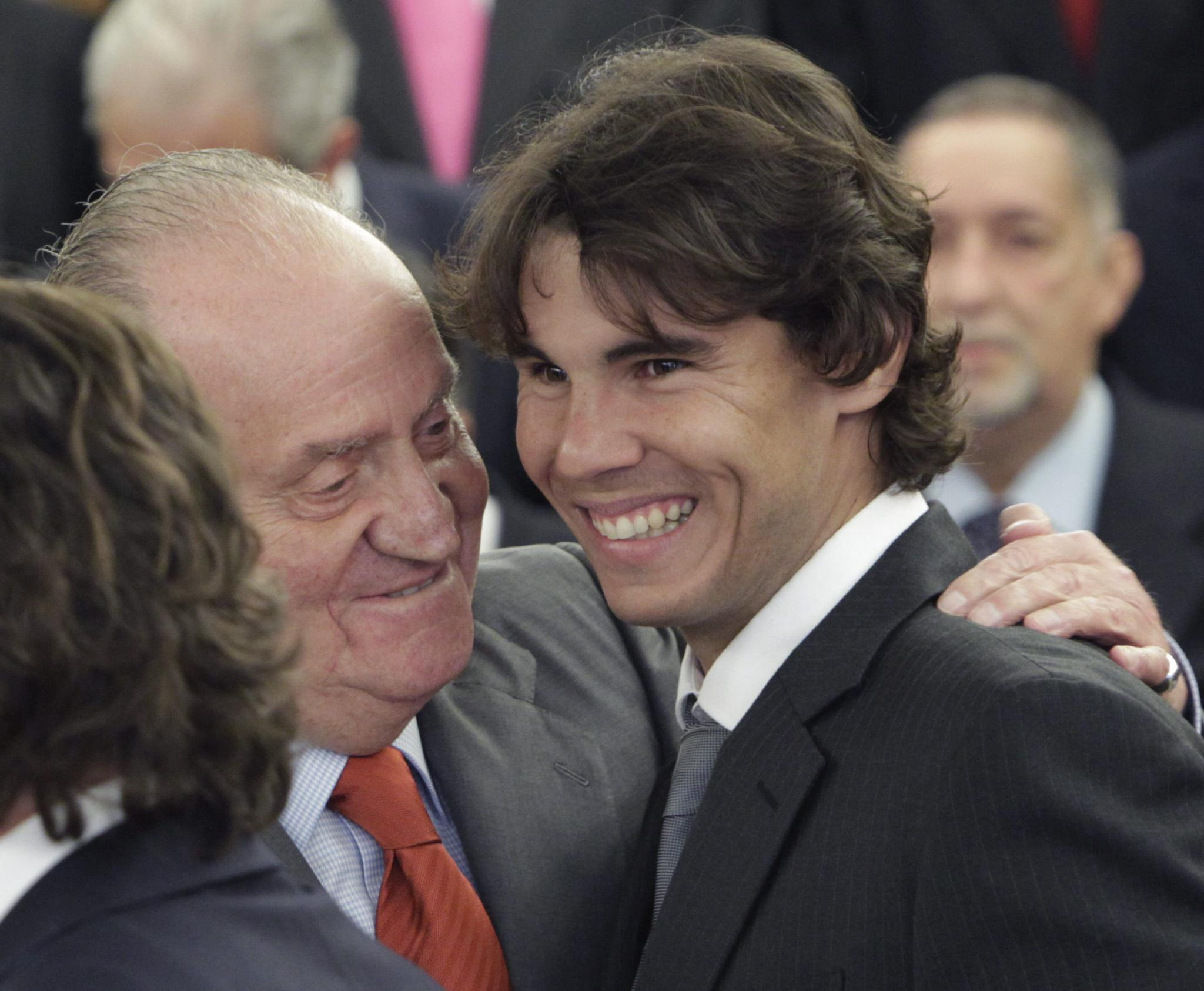 Nadal, longtime girlfriend tie knot