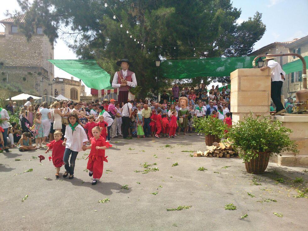 SELVA - CELEBRACION DE LA FIRA DE SES HERBES