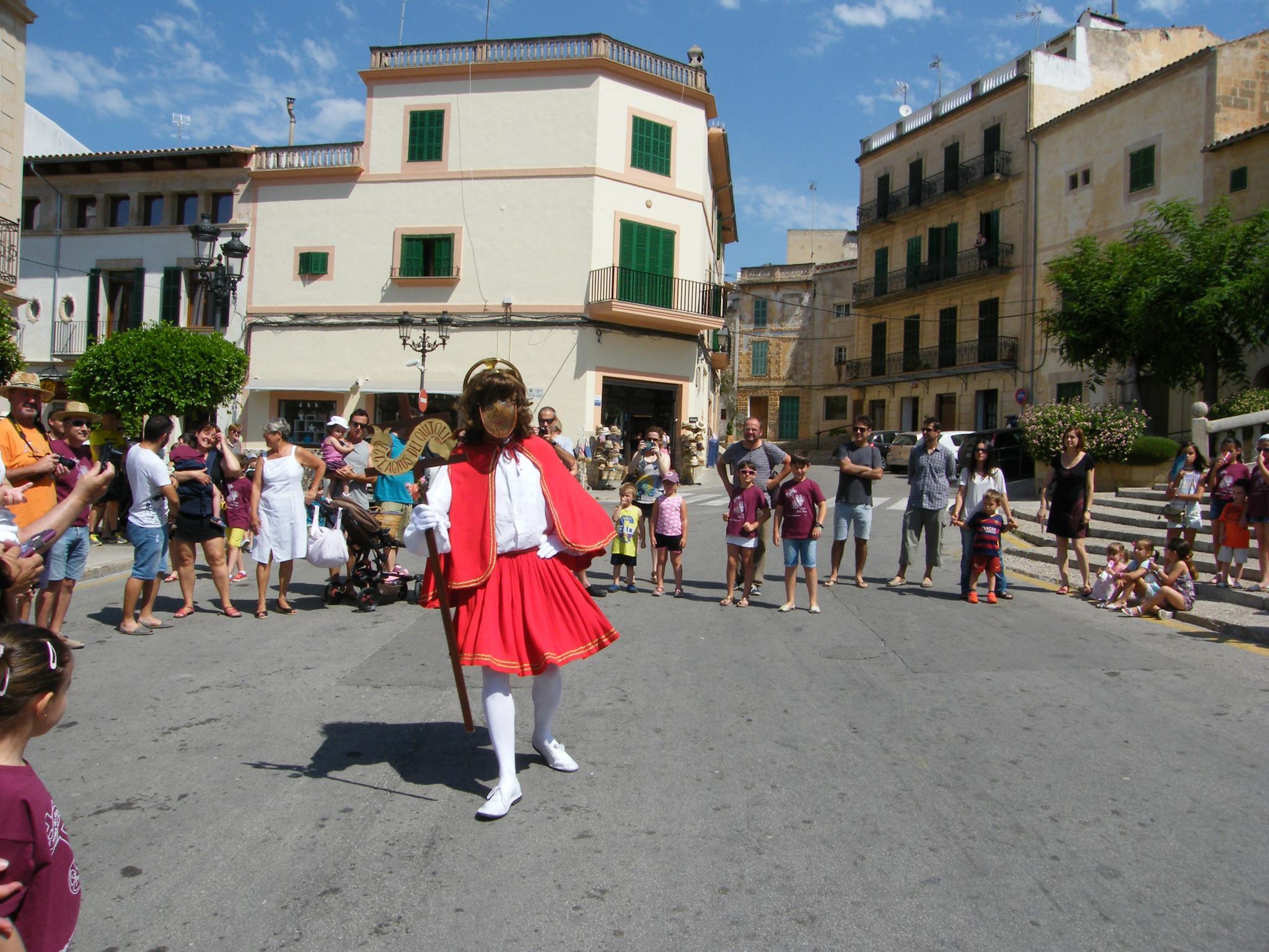 FELANITX - FIESTAS POPULARES - El pueblo vibra con las danzas tradicionales de Sant Joan Pelós