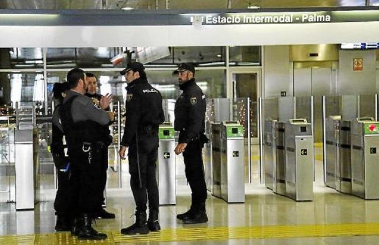 Guards Of The Intermodal Station In Palma Attacked By Gangs