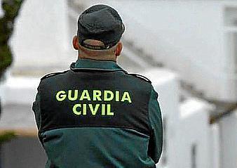 Spanish police arrest gang accused of trafficking migrants across Mediterranean