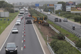 The Llucmajor motorway having gardening work done