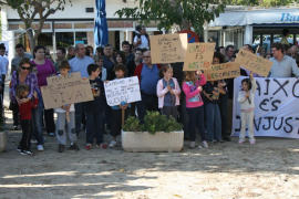 Protest at Ses Casetes des Capellans in October 2009