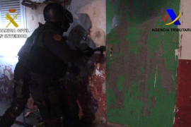 "Guardia uncover drugs gang's ""torture chamber"""